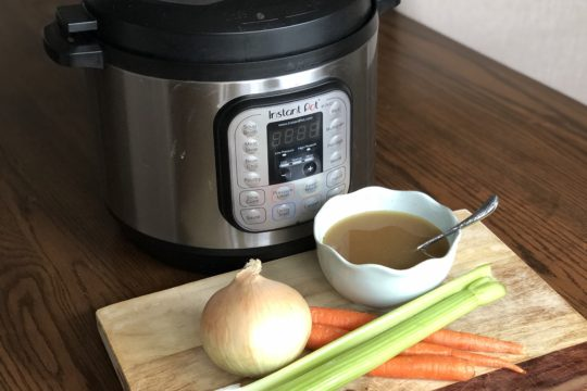 There are so many benefits to drinking bone broths because they are nutrient-dense. Here is how I make chicken bone broth using my instant pot.