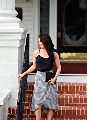 Gingham a classic print that is always in style. Gingham can come in any color, but I love black and white.Here is how I styled a gingham midi skirt!
